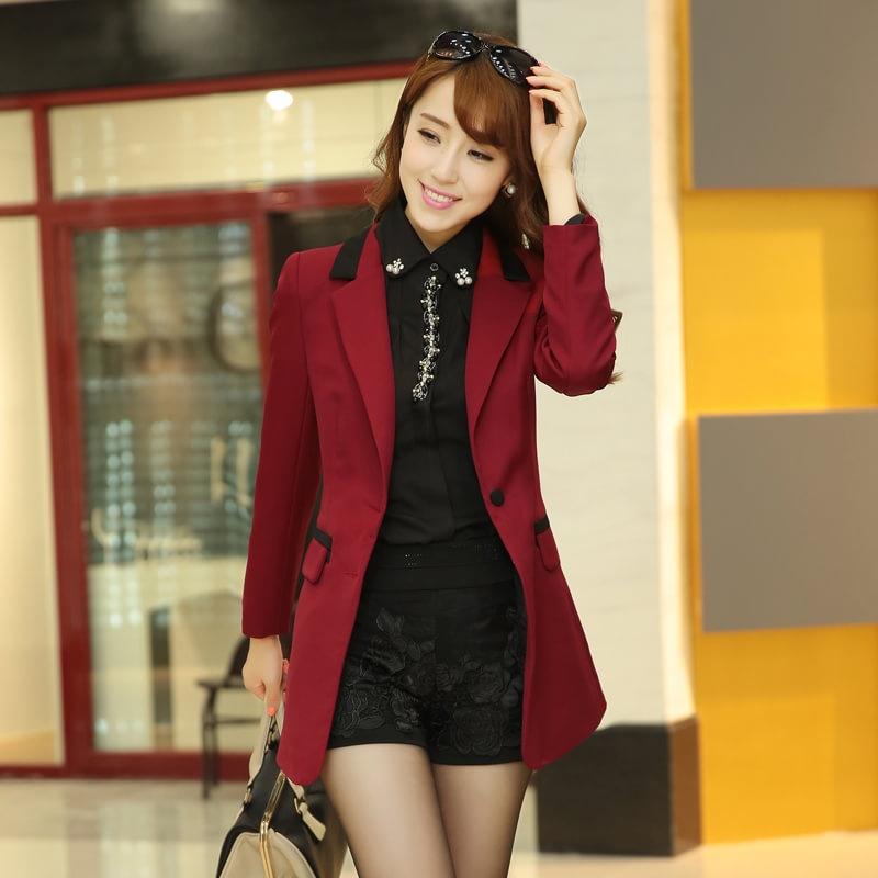 棕红色西装搭配图片女